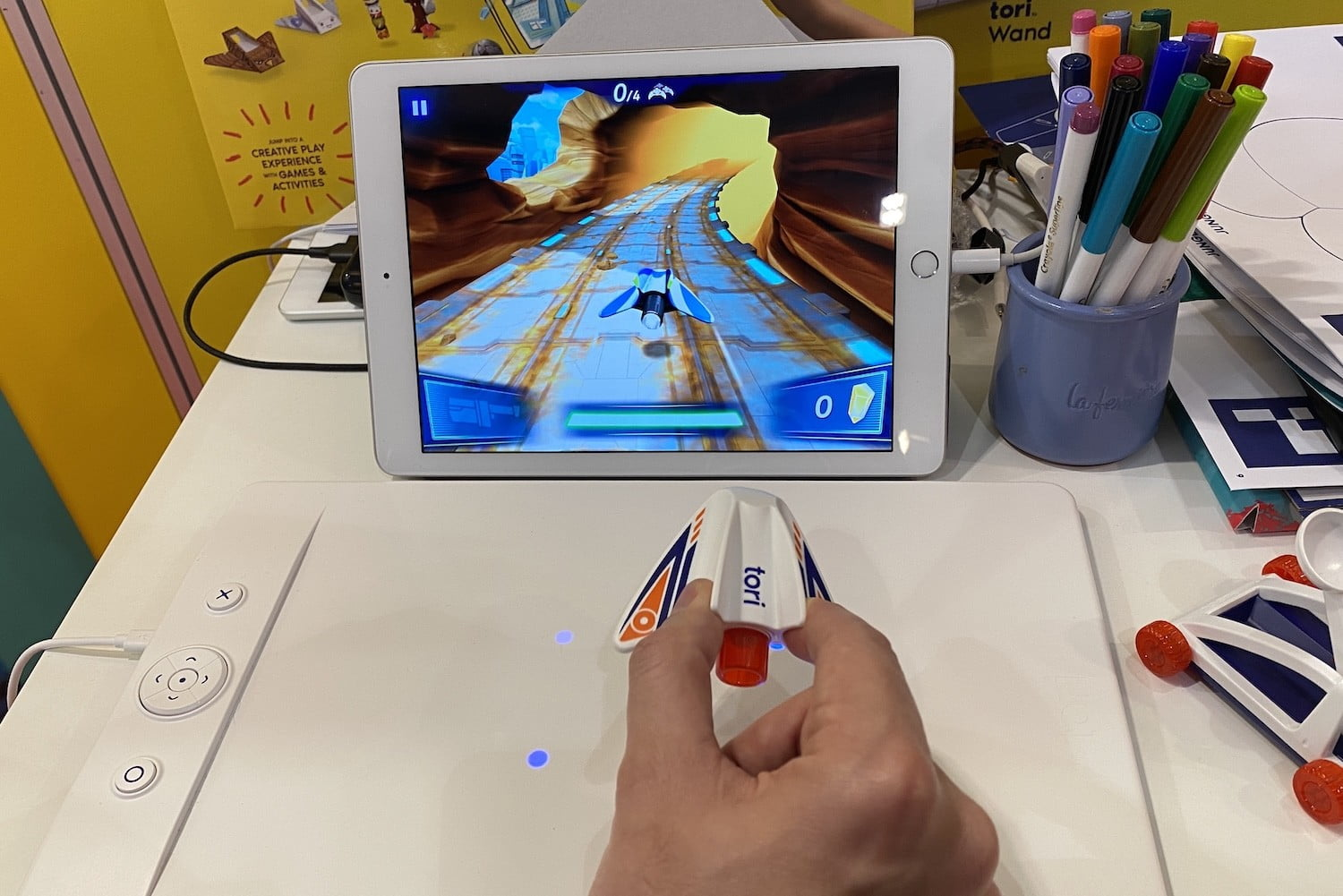 A 3D magnetic field makes it possible to control this game so precisely