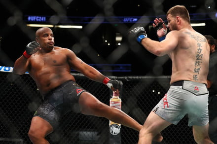 How to watch UFC 252 Online: Live Stream Miocic vs. Cormier 3