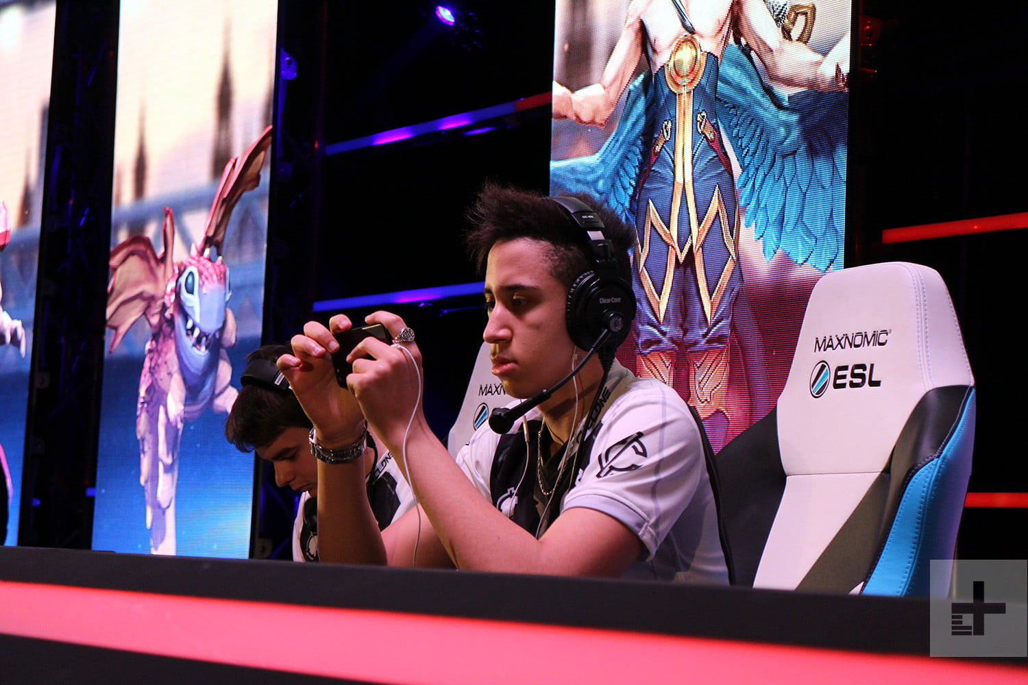 Your Smartphone Is The Key To The Future Of Esports | Digital Trends
