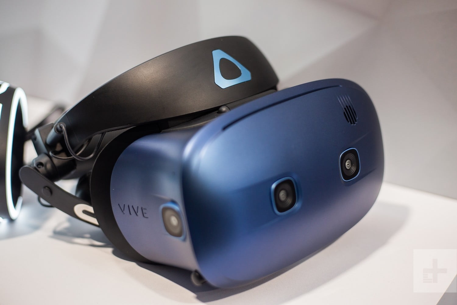 HTC Vive Cosmos | Hardware, Games, Price, Release Date, and
