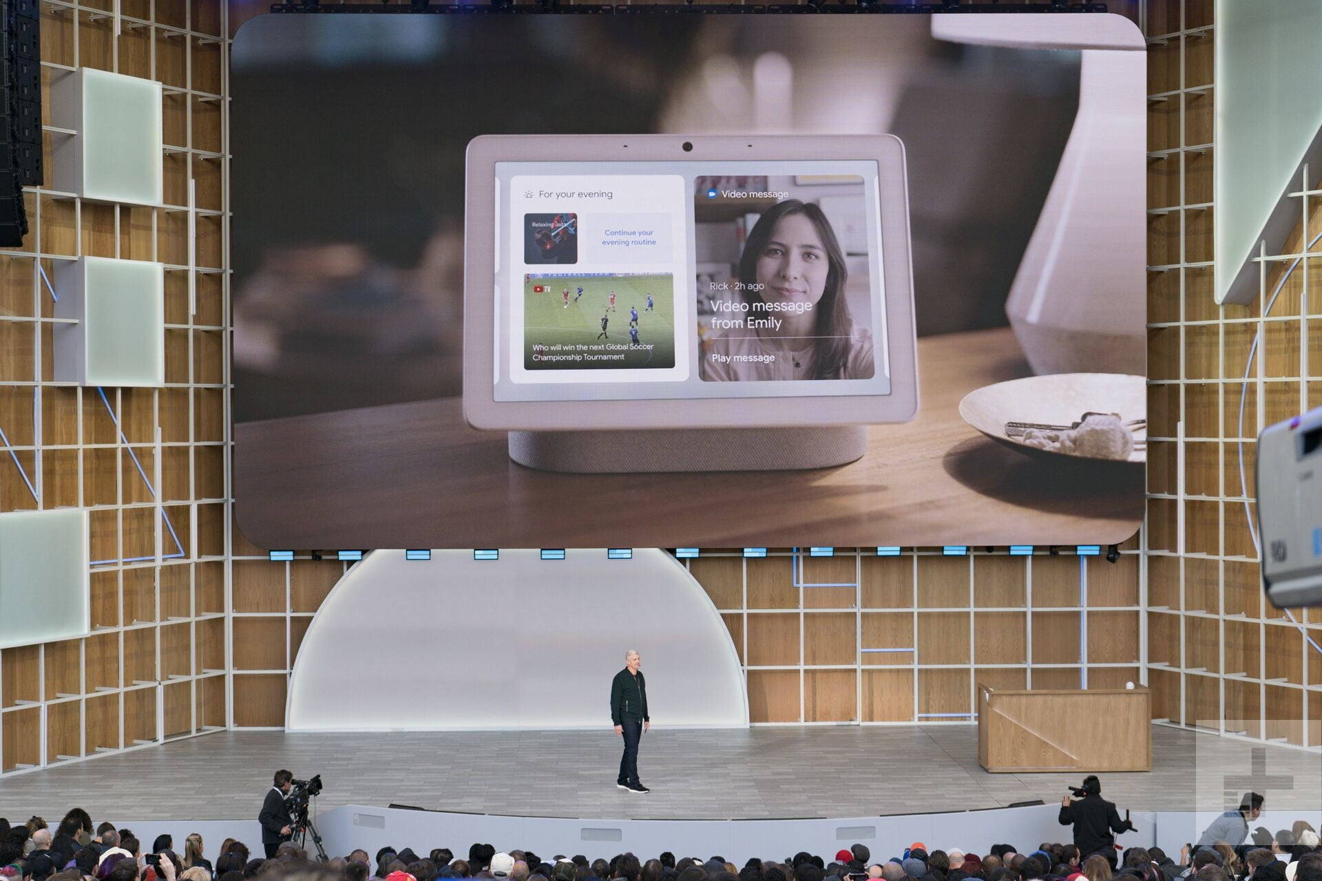Google's Nest Hub Max smart display hopes to to take on the Echo Show
