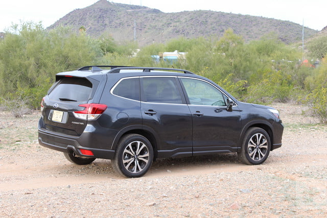 subaru forester modelo 2019 revision review back angle