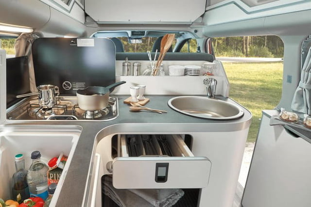ford nugget custom transit wolkswagen 2019ford transitcustomnugget 7 700x467 c