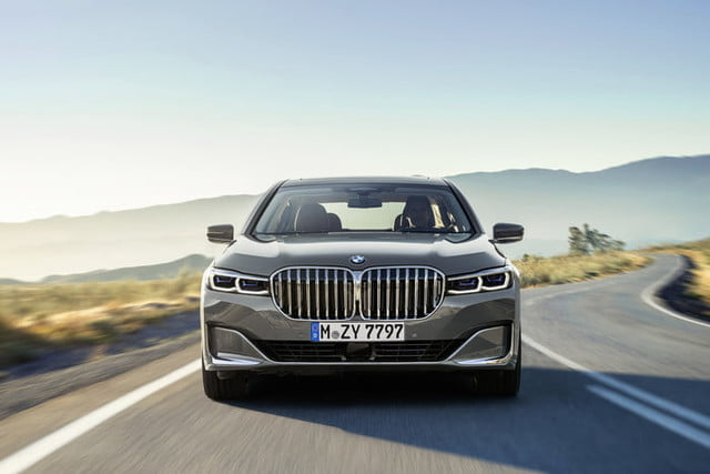 bmw serie 7 2020 official 1 700x467 c