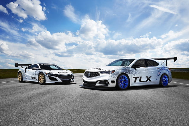 acura pikes competicion 2017 nsx and tlx 1