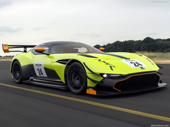 aston martin vulcan paquete amr pro feat