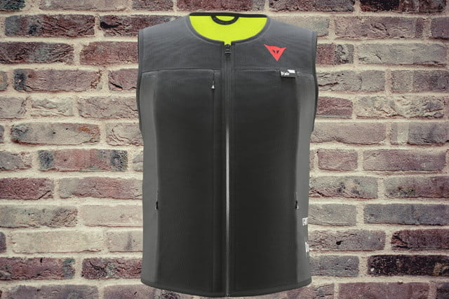 dainese chaleco inteligente airbag motocicletas dair smart jacket front 700x467 c