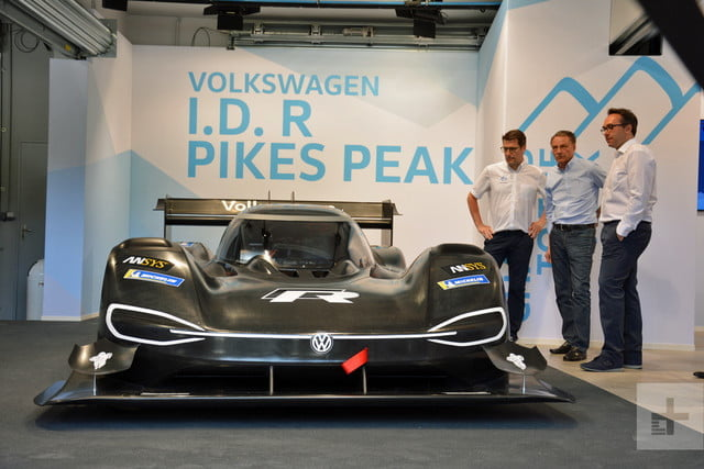 vw auto electrico pike peaks dt volkswagen id r 1 640x427 c