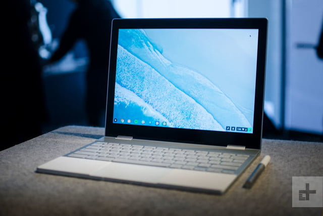 Google PixelBook en modo laptop, para el comparativo de Google Pixelbook vs. Samsung Chromebook Pro