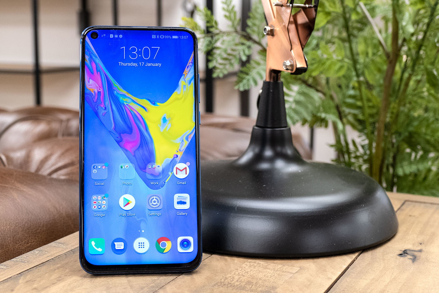 Face phones Honor View 20 vs  OnePlus 6T - The Tech Fox