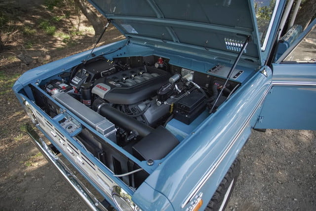 ford bronco old school br icon classic 40 v1 current 700x467 c