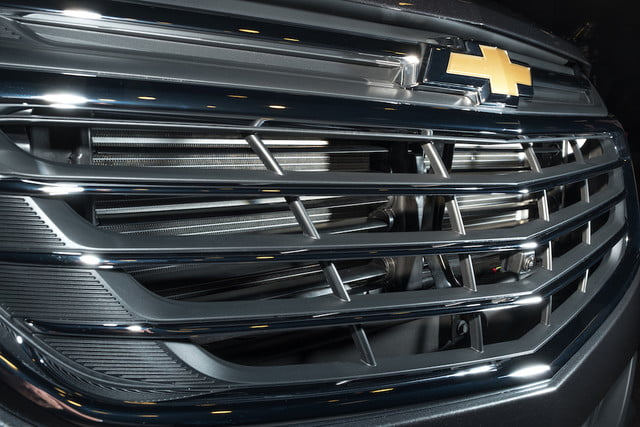 equinox aerodinamica combustible new  electronically controlled upper and lower grille shutters account for nearly half of th