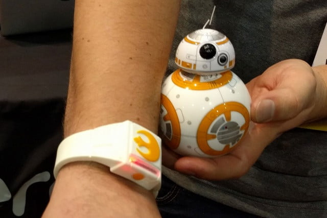 sphero estrena pulsera force band para controlar bb 8 star wars 173752 640x427 c
