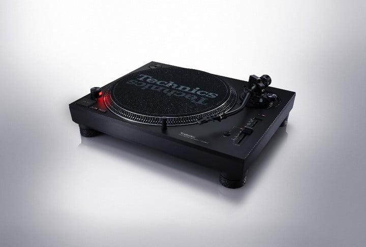 Direct Drive Turntable System SL_1200MK7_02