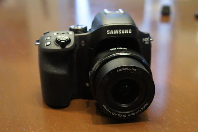 samsung announces nx30 mirrorless camera and android powered galaxy 2 dsc08200