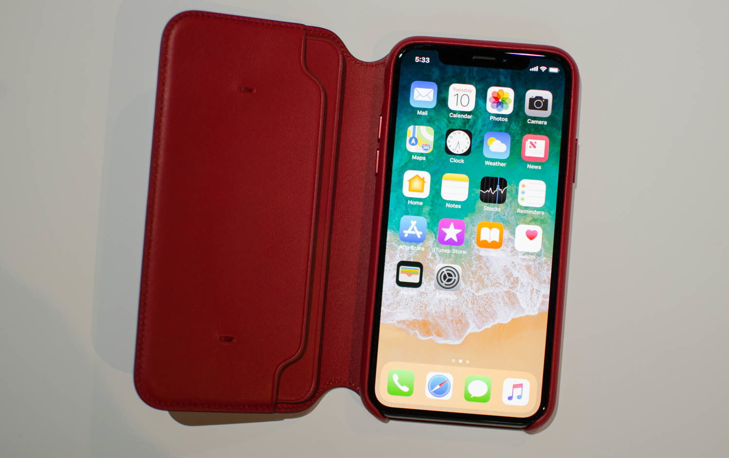 Apple Debuts (RED) IPhone 8 And 8 Plus, Red Leather Case