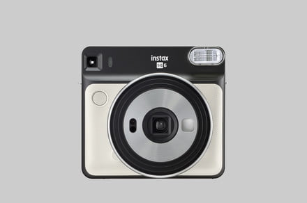 Fujifilm Instax Square SQ6 is first fully analog camera for film format