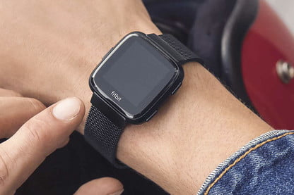 Walmart Slashes Prices on the Fitbit Versa Smartwatch and