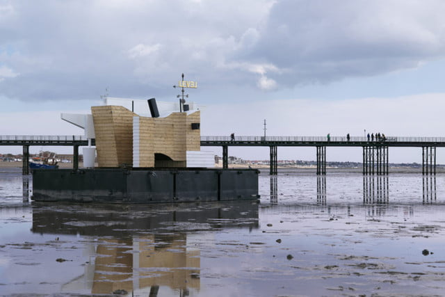 floating home collects temperature moisture data floathome6
