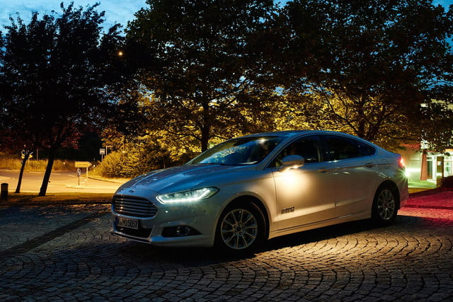 ford tests headlights that can point out pedestrians iws2015 advancedlight 082
