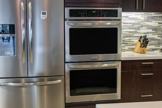Frigidaire double oven FGET-3065PF review front