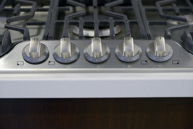Frigidaire FPGC3077RS Professional cooktop review