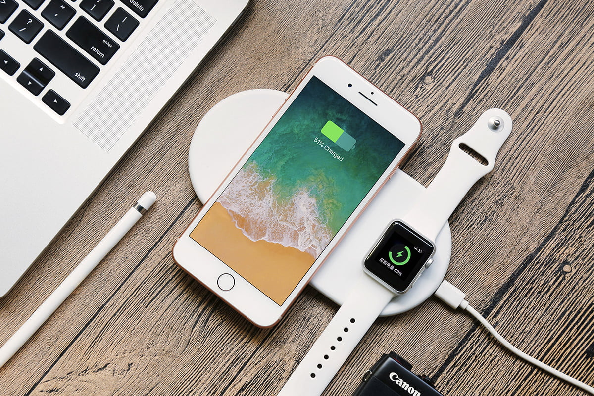 new concept f4105 01d5b Funxim Is a Wireless Charger For Your iPhone and Apple Watch ...