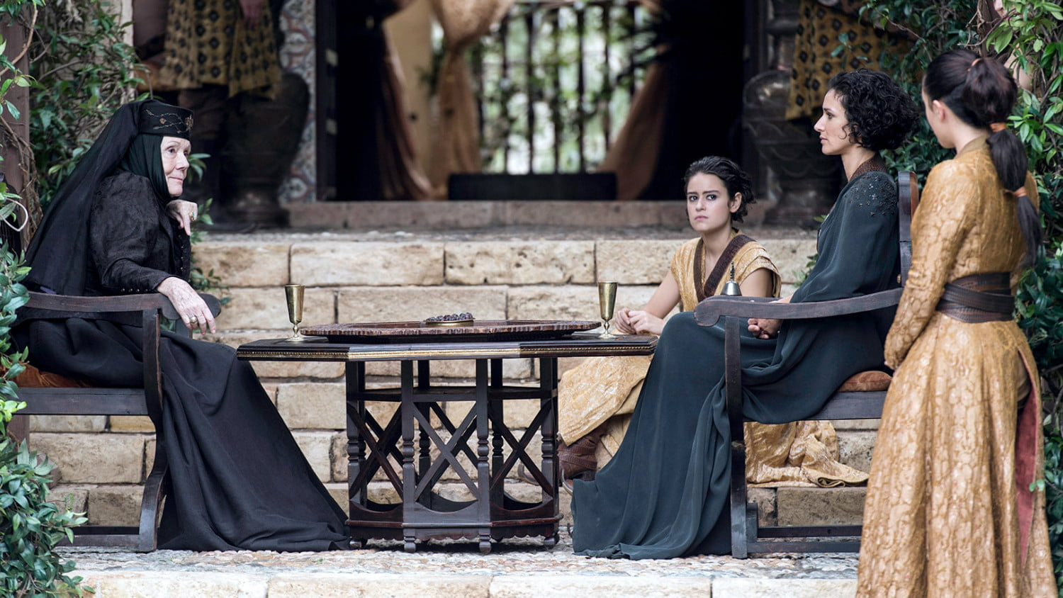 How Season 6 made 'Game of Thrones' dumber, but more gorgeous than ever