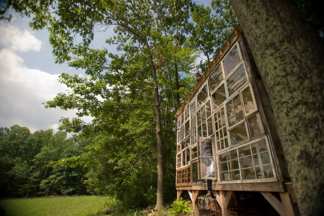 retreat from society and relax in these idyllic cabins around the world glass cabin 5