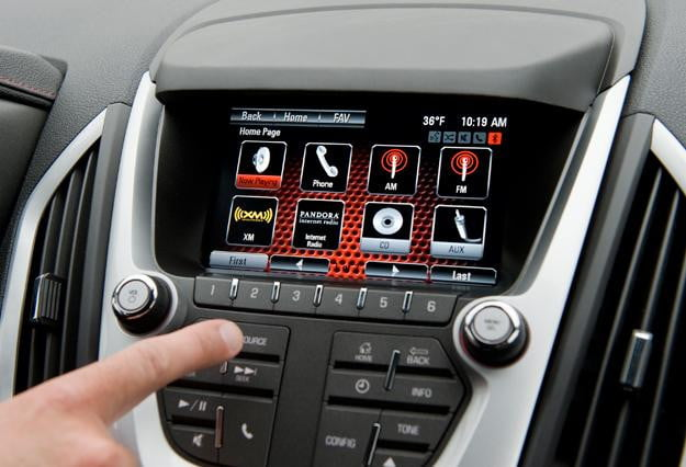 gmc intellilink adds further smartphone integration to your ride rh digitaltrends com gmc yukon infotainment manual gmc yukon infotainment manual
