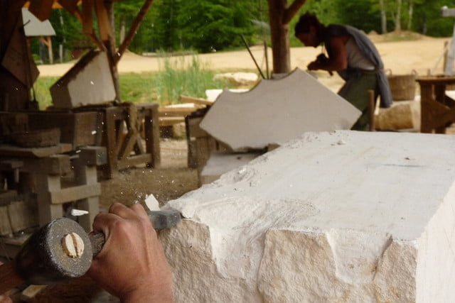 the guedelon castle is being built with 13th century techniques gu  delon 0039