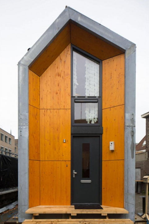 heijmans one houses are portable and live on vacant lots 022