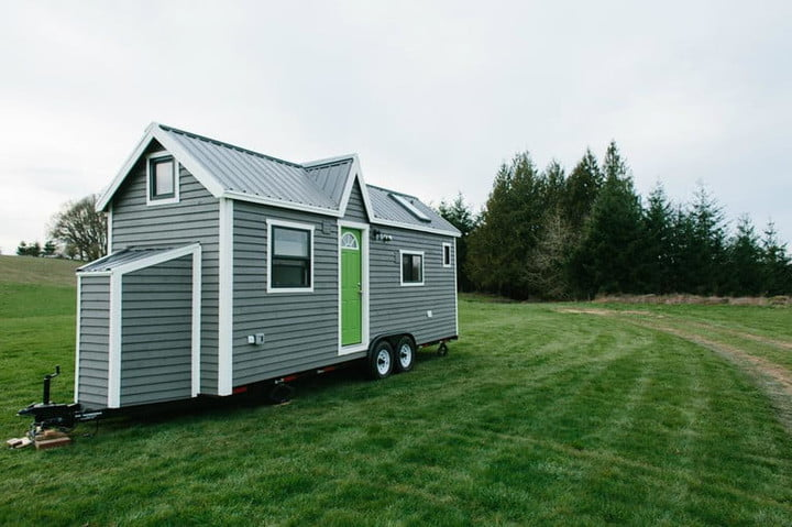tiny heirloom makes luxury homes on wheels home exterior