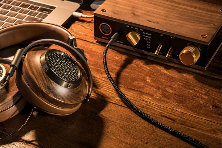 what is a headphone amp heritage