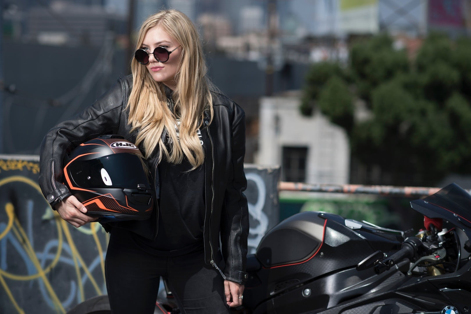 Sexy womens motorcycle helmets