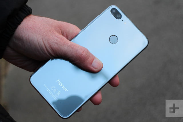 Honor 9 Lite review full angle