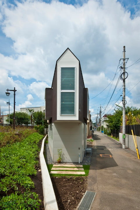 tiny japanese horinouchi homes make use of small space house 007