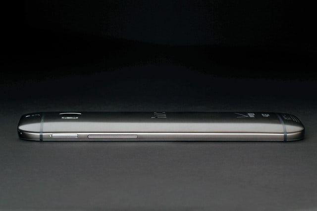 HTC 1 M8 right side