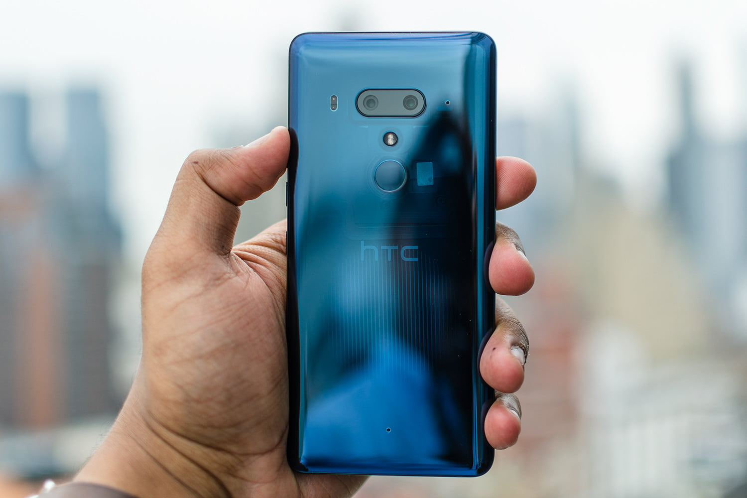 HTC U12 Plus Review: Digital Buttons Suck | Digital Trends