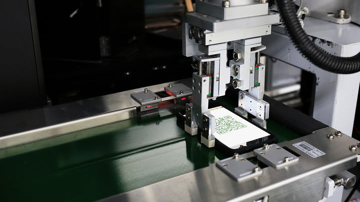 how htc builds its smartphones a tour in taiwan factory 07