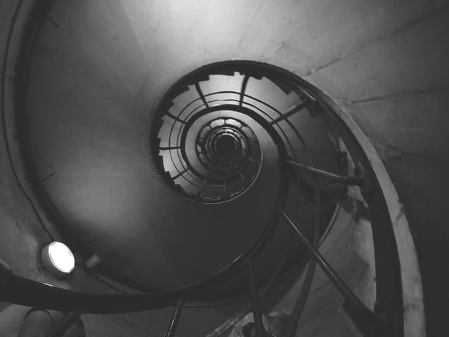 huawei p20 pro leica street photography feature spiral staircase