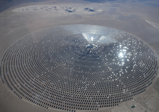 peek inside nevada solar plant 247 power molten salt in november 2015 crescent dunes passed the necessary tests to reach comm