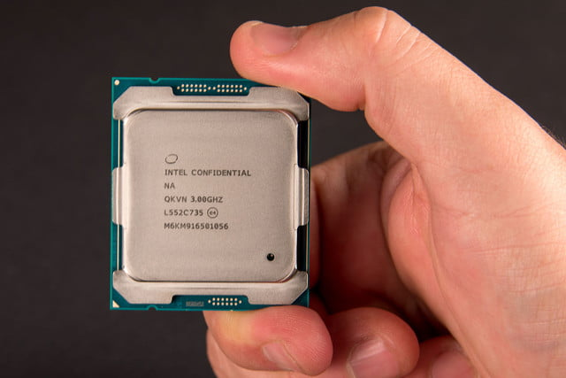 intel broadwell e announcement core i7 6950x handscale1