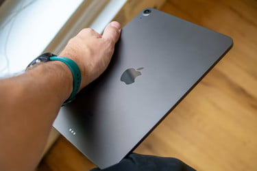 How to restart ipad mini when disabled