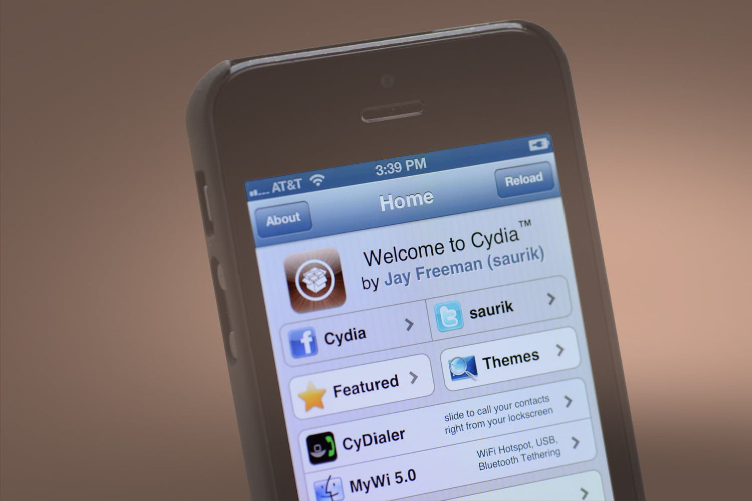 iOS Jailbreak App Store Cydia No Longer Allows Purchasing | Digital