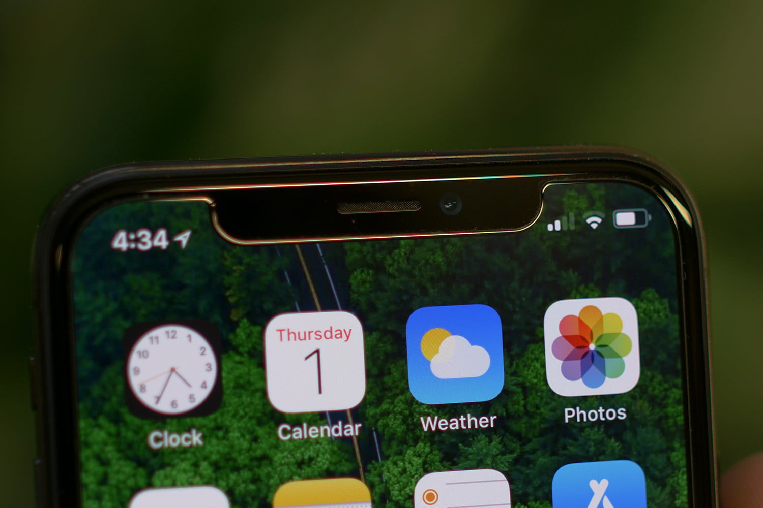 abf960a24 Why Are Android Phone Makers Embracing the Notch