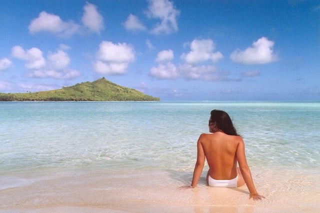 photoshop may 25 years old manages stay fresh jennifer in paradise  first image