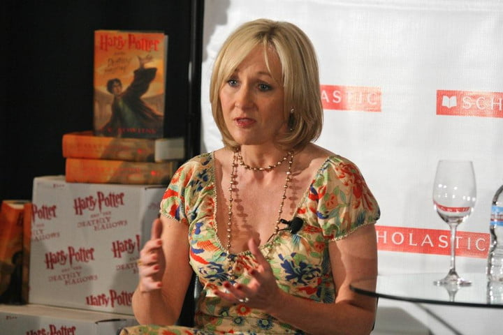 JK Rowling tweeted some of her rejection letters to encourage new authors