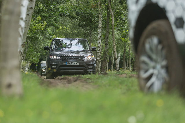 2016 jaguar land rover technology showcase jlr offroadconnectedconvoy2