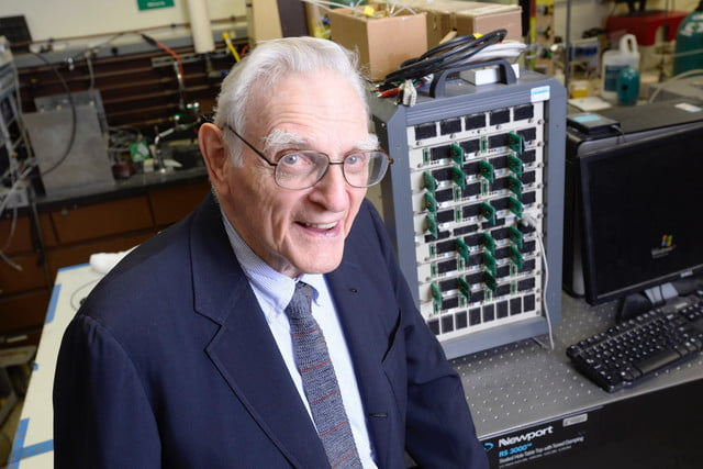 glass battery technology john goodenough